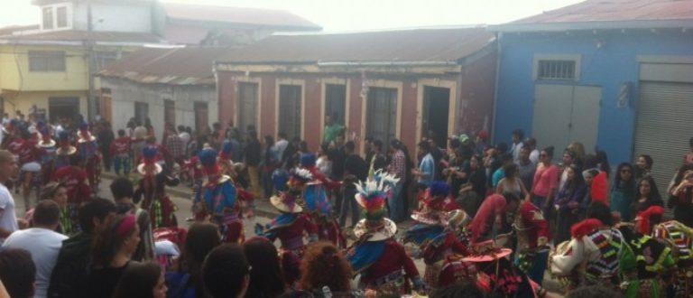 Article : Mille tambours envahissent Valparaíso