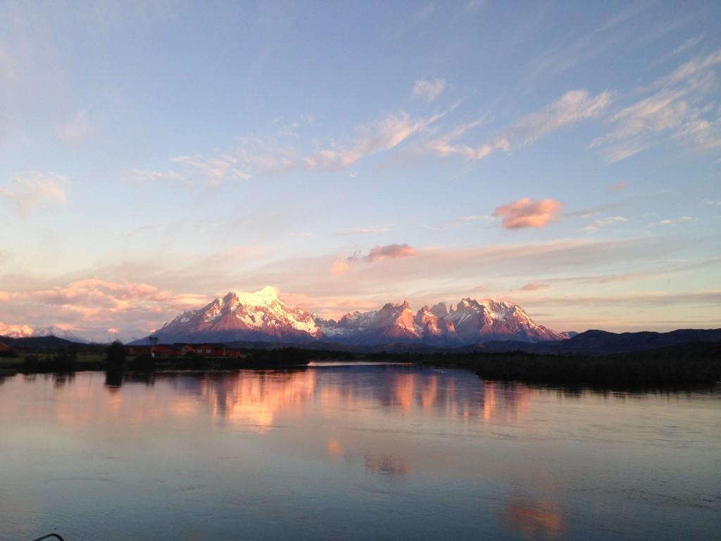 5h30 : le soleil se lève à Torres del Paine