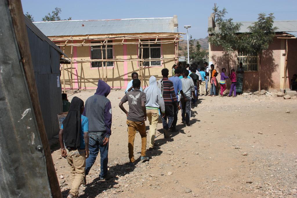 Des réfugiés érythréens dans un camp humanitaire en Éthiopie